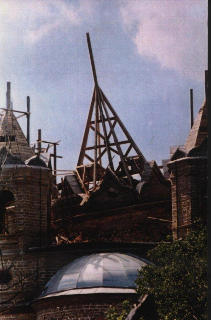 bedy dzhankojskogo hrama. obrushennyj kupol 676x1024 - Беды Джанкойского Храма / век 20