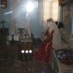 Джанкой в объективе Мастерицы крымско-татарской вышивки, танцовщицы восточных танцев и исполнители зажигательных композиций приглашают! vitrina6