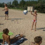 Джанкой в объективе Джанкойские футболисты учатся нырять. getImage 26