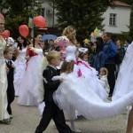 Джанкой в объективе День города: куклы, танцоры, невесты и ангелы... 1GnHwqdmrDw