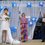 Джанкой в объективе День города: куклы, танцоры, невесты и ангелы... 5zrhoCCCcAM
