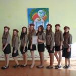 Джанкой в объективе Девушки старейшей Джанкойской школы примеряли гимнастерки... wkbV8GKDs94