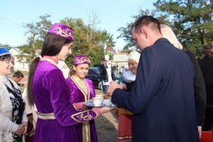 Джанкой в объективе 70-летний юбилей села Победное Ugoshhenie tatarskoj kuhnej.