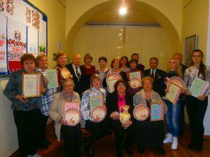 Uchastniki bienale 300x225 - Джанкойские вышивальщицы получили награды Республиканского биеннале