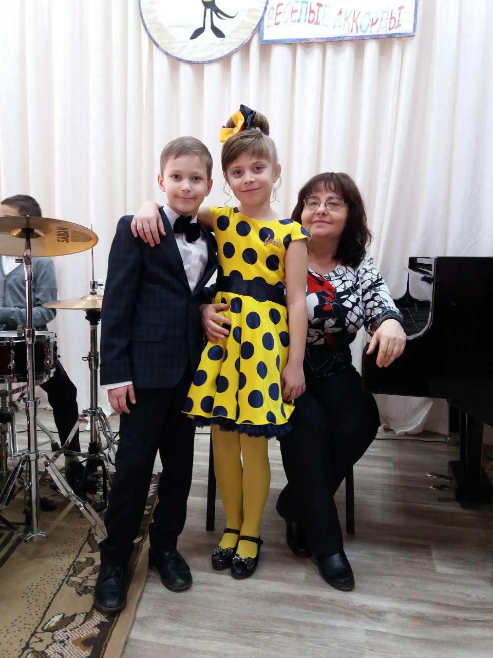 Джанкой в объективе Дети Изумрудненской ДШИ победили в конкурсе эстрадного искусства Tamara Kaliparova s uchenikami 1