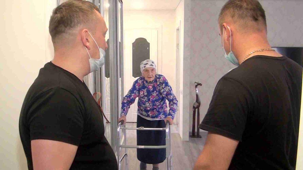 """pozdrav veterana v novyh uslovijah. dzhankoj 2020 1024x575 - Акция """"Поздравь ветерана"""" 2020 состоялась"""