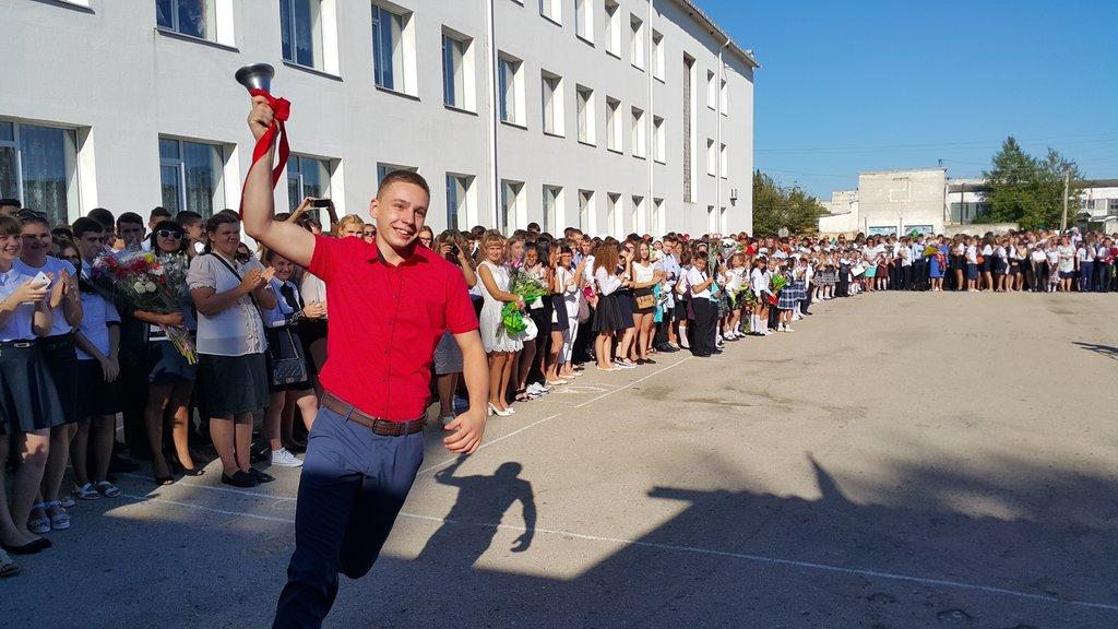 Школьники Джанкоя скучают за школой