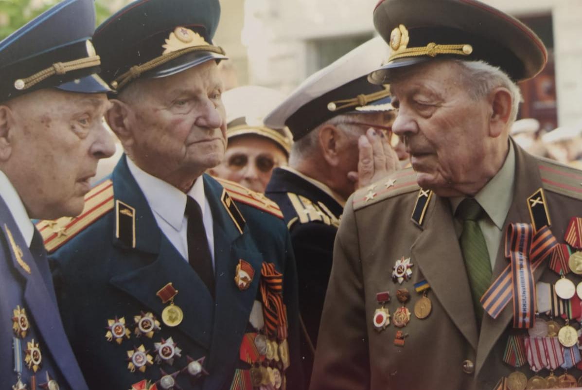 Юрий Шабанов с ветеранами.