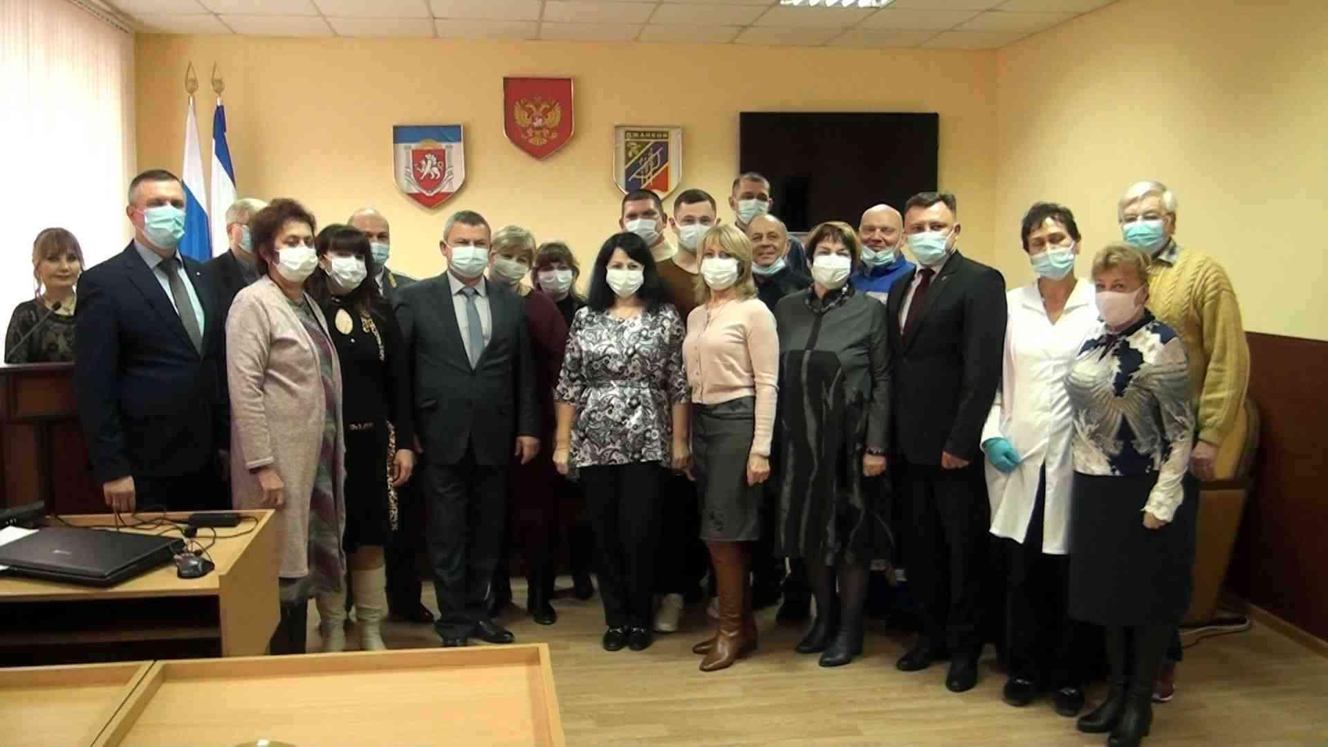 сотрудников скорой помощи и городской поликлиники чествовали в Джанкое