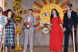 Vypuskniki 2015 300x200 - В школах Джанкоя прошли выпускные вечера