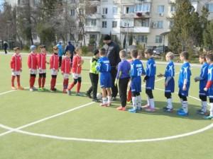 Pered igroj 300x225 - Джанкойские футболисты уверенно держат планку лидерства в Крыму