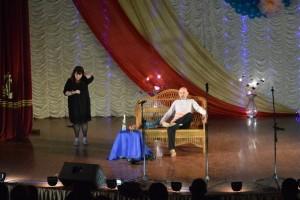 Andrej ZHuravlev i YUliya LitovkaI 300x200 - В Джанкое для женщин поют и пляшут местные таланты