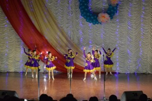 kollektiv Lider 300x200 - В Джанкое для женщин поют и пляшут местные таланты
