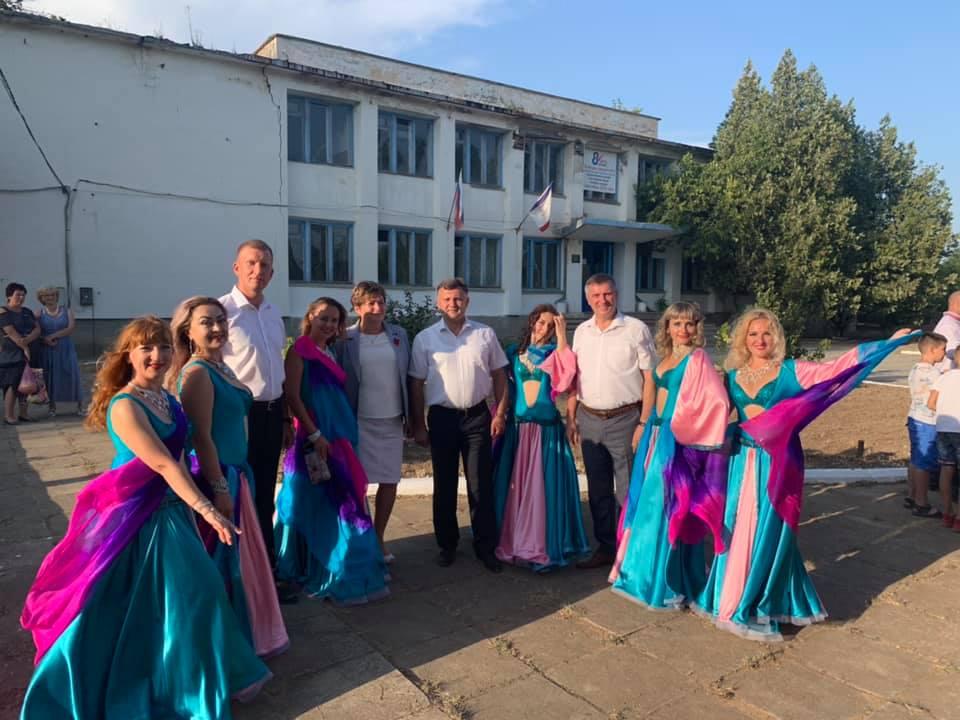 Джанкой в объективе Единороссы Джанкоя поздравили земляков с Днем Джанкойского района den rajona